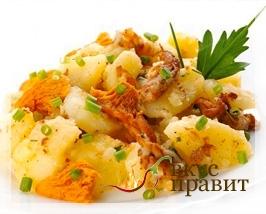 Картофель, тушенный с грибами